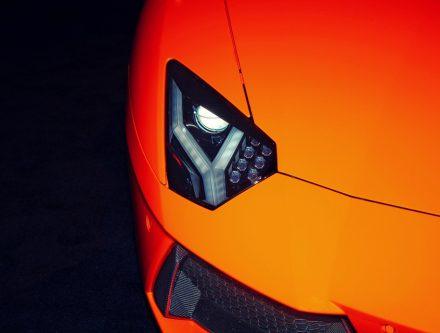 laver les phares de sa voiture